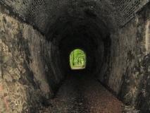 63_Meter_Tunnel_Schmalspurbahn_Schwarzbachtal_klein