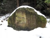 Luchsstein_im_Schnee_klein