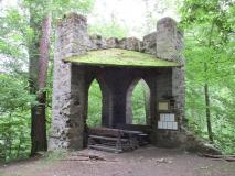 Ruine_vom_Gossdorfer_Raubschloss_klein