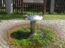 Wasserspielzeug_am_Pfarrhaus_Hinterhermsdorf_klein
