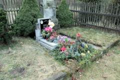 bunter_Blumenschmuck_Friedhof_Boehmen_klein
