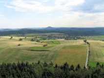 Blick_vom_Weifbergturm_auf_Hinterhermsdorf_klein