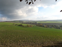 Blick_Schleifersberg_Richtung_Schneeberg_ueber_Rosenthal_klein