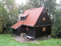 schoenes_Wochenendhaus_oberhalb_Carolahoehe_klein