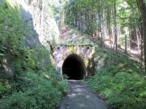oberer_Tunnel_Schmalspurbahn_klein