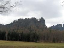Schrammsteine_hinter_der_Wildwiese_klein