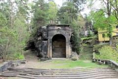 Grotte_an_der_Aussicht_Belvedere_klein