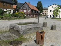 Trog_Dorfplatz_Hinterhermsdorf_klein