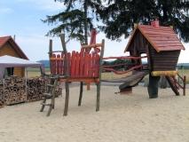 Spielplatz_Robin_Hood_Caravan_Camping_klein