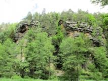 Felsen_im_Kirnitzschtal_hinter_Nassen_Grund_klein