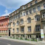 21_bluemelpfad_gesamthausfront_schillerstrasse_13-15_klein