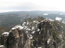 Felsenburg_Neurathen_im_Schnee_klein