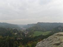 trueber_Blick_vom_Gamrig_Richtung_Elbe-Rathen_klein