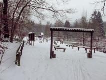 winterlicher_Spielplatz_Forellenschaenke_klein