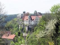 Blick_Burg_Hohnstein_vom_Roehrenweg_klein