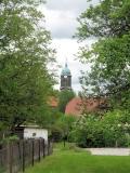 Blick_Kirchsteig_zur_Kirche_Lohmen_klein