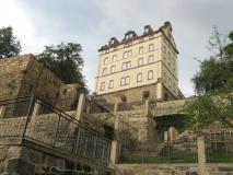 saniertes_Gebaeude_Schloss_Sonnenstein_Terrassengaerten_klein