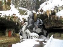 winterlicher_Lichtenhainer_Wasserfall_klein