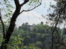 Blick_vom_Hockstein_zur_Burg_Hohnstein_klein