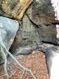 alte_Inschrift_an_den_Brandstufen_klein