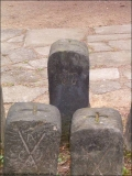 12-Grenzstein