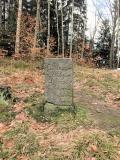 Gedenkstein_Reitsteig-Wurzelweg_klein