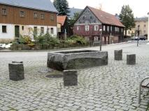 Brunnen_Dorfmitte_Hinterhermsdorf_klein