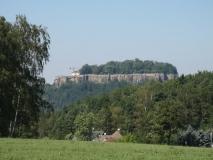 Festung_Koenigstein_vom_Koenigsweg_klein