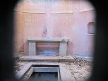 Blick_ins_Mausoleum_Familie_Biedermann_klein