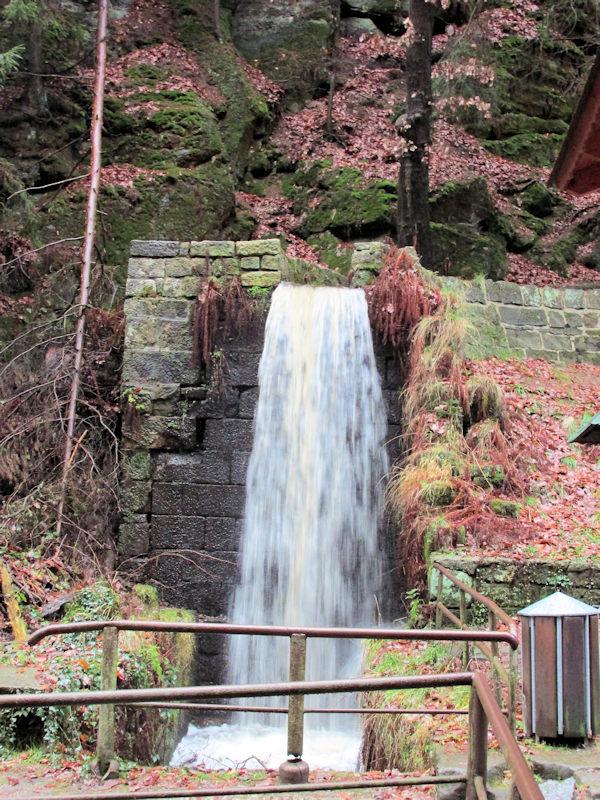 Wasserfall_Parkplatz_Hrensko_klein