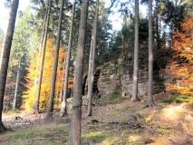 herbstlicher_Abstieg_und_Felsen_vom_Koenigsplatz_klein