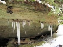 Eiszapfen_aus_Felsspalte_Kohlichtgraben_klein