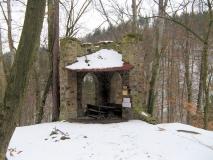 Gossdorfer_Raubschloss_im_Winter_klein