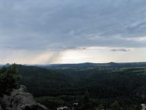 Regenfront_Richtung_Lilienstein_klein