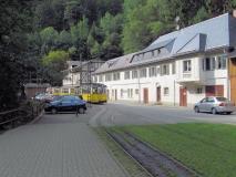 Gasthof_Lichtenhainer_Wasserfall_mit_Strassenbahn_klein
