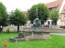 Brunnen_am_Markt_in_Bad_Gottleuba_klein