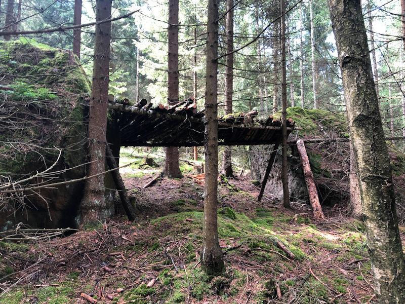 Biwak_Grenzplatte_alter_Unterstand_klein