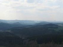 Blick_vom_Weifbergturm_auf_die_Hintere_Saechsische_Schweiz_klein