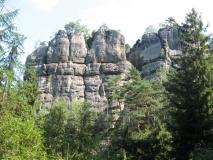 Felswand_am_Halbenweg_Hohnstein_klein