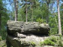 Kriemhielden-Stein_am_Rosengarten_klein