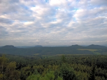 Blick_vom_Signal_auf_Tafelberge_klein