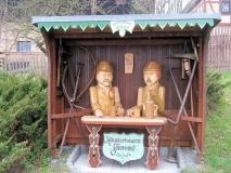 grosse_Holzfiguren_Mittelndorf_klein