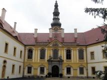 Innenhof_Schloss_Decin_klein