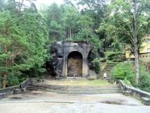 Aussichtsebene_und_Grotte_Belvedere_klein