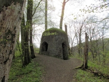 Kuppel_Ruine_Gossdorfer_Raubschloss_klein
