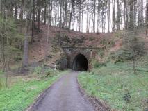 Tunnel_Schmalspurbahn_Schwarzbachtal_klein