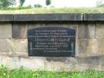 Gedenkstein_Von_Quandt_Friedhof_Dittersbach_klein