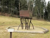 Baumhaus_in_der_Waldhusche_klein