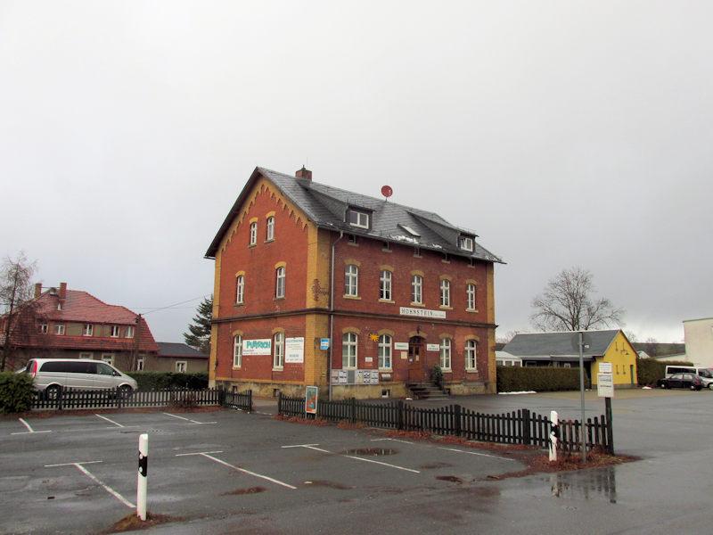 Altes_Bahnhofsgebaeude_Hohnstein_klein