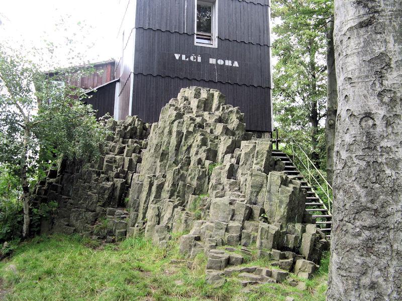 Basaltsaeulen_auf_dem_Wolfsberg_klein